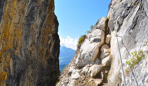Klettersteig Flimserstein : Klettersteig pinut historischer bei flims