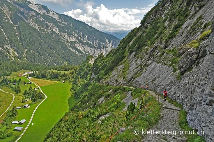 Klettersteig Flimserstein : Klettersteig pinut abstieg nach bargis