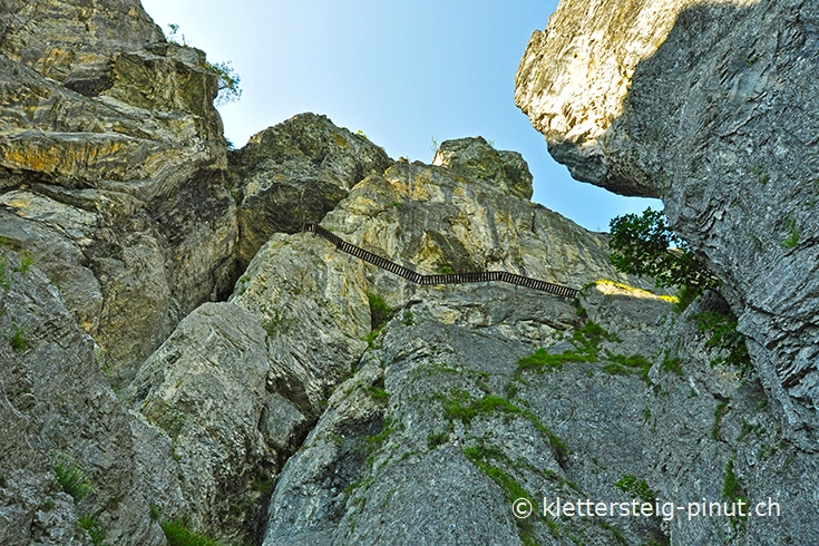 Klettersteig Pinut : Klettersteig pinut felsstufe brücke